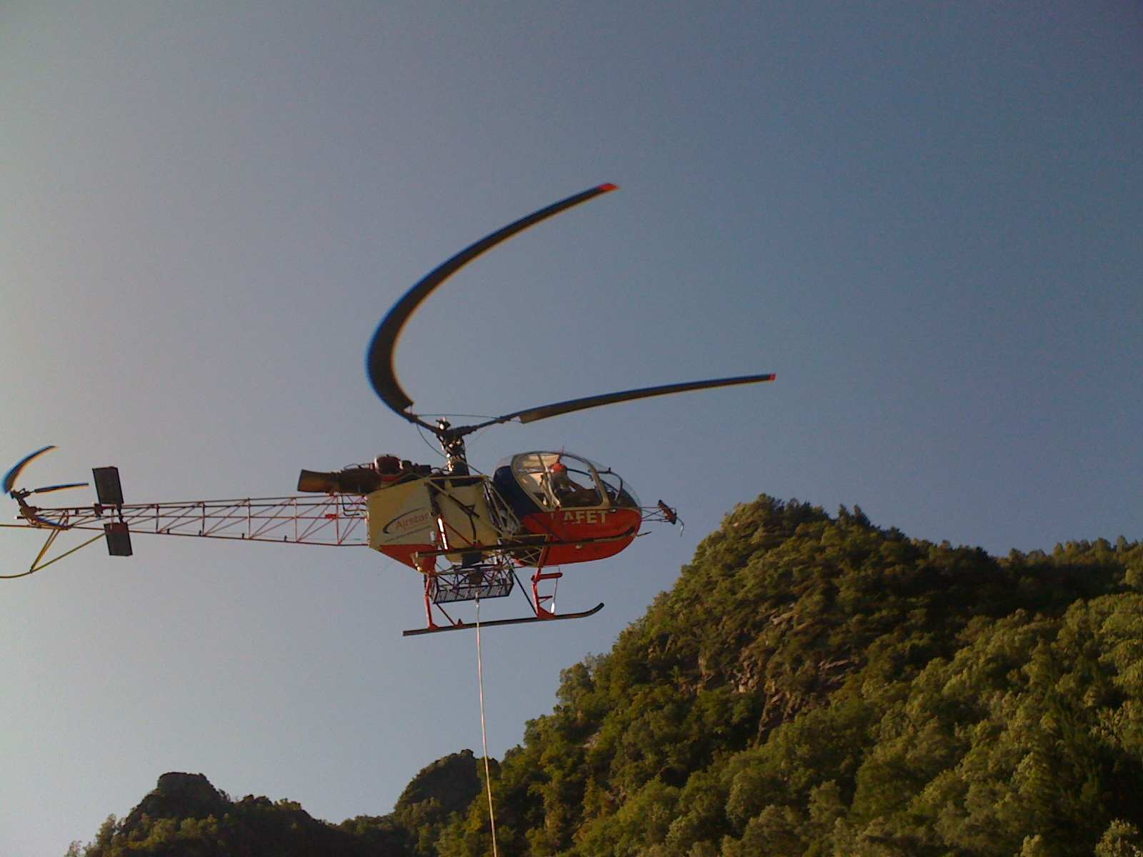 Elicottero 5 Pale : Un elicottero fotografato da iphone italia