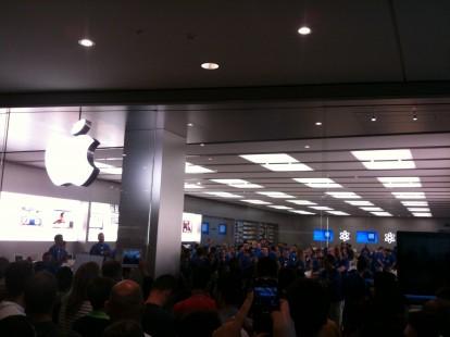 Segui l 39 inaugurazione dell 39 apple store di marcianise in for Apple store campania