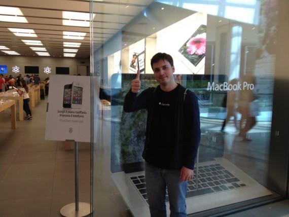 Iphone 5 i primi in coda a bologna e caserta a 48 ore for Apple store campania