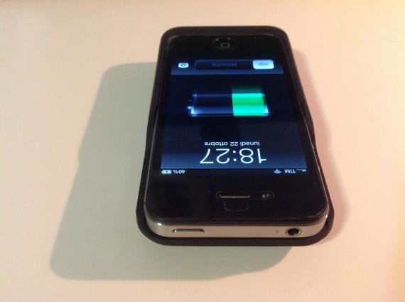 Pannello Solare Per Iphone : Batteria esterna per iphone s nera con pannello solare