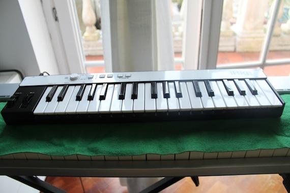 Collegare la tastiera MIDI per iPhone incontri Consiglio dovrei chiamarlo