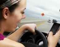 In California non puoi controllare le mappe su iPhone mentre sei alla guida