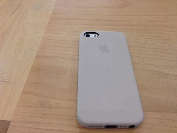 Le nuove custodie Apple per iPhone 5s (e iPhone 5...) - La prova ...