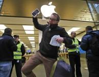 """Una notte all'Apple Store: come prepararsi per il """"Day One"""" di iPhone 6 e iPhone 6 Plus"""