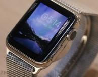 L'Apple Watch è resistente all'acqua e non impermeabile (ma ci sarà la versione per mancini)