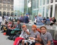 Stare già in fila per l'iPhone 6 può essere molto conveniente