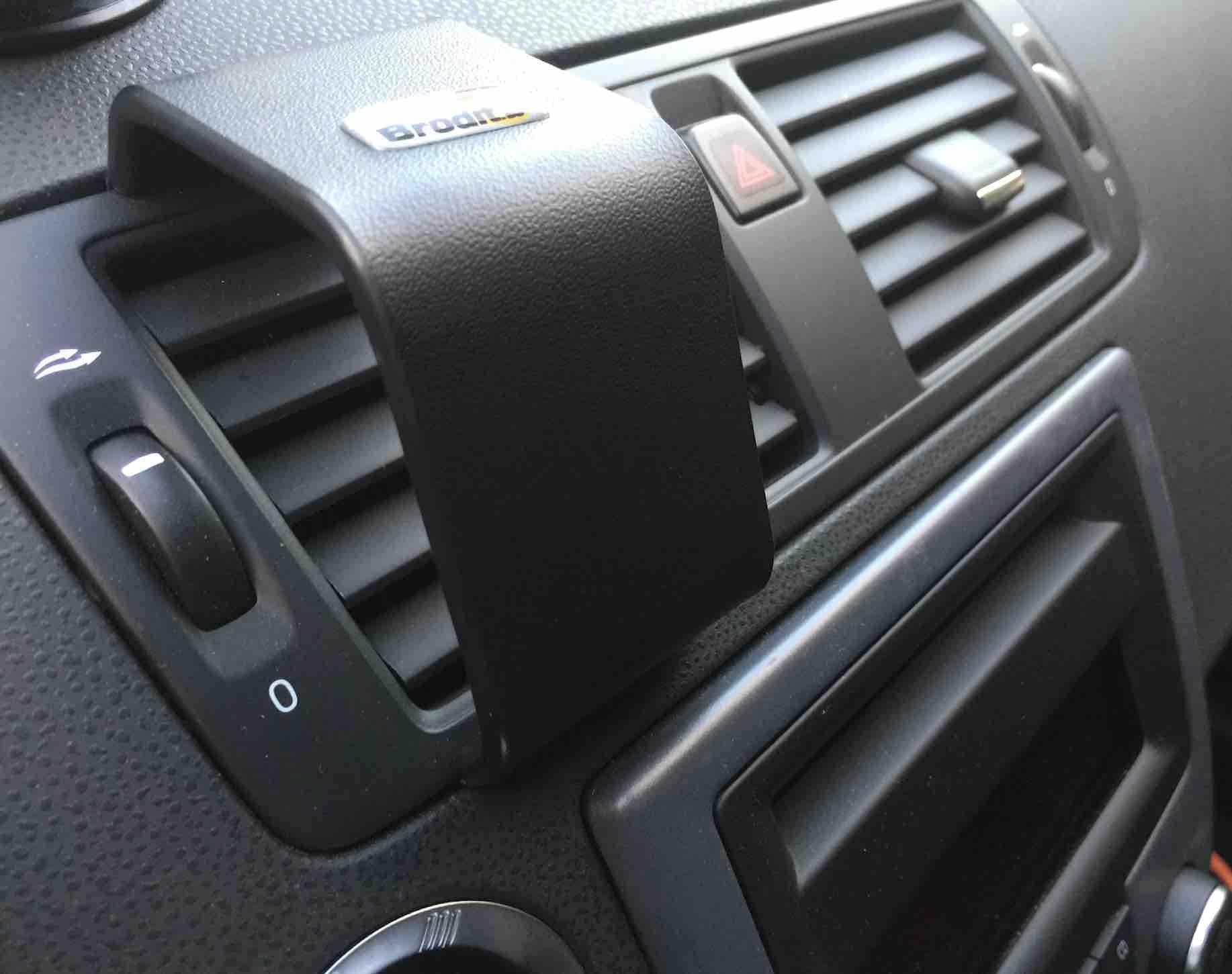 Supporto auto per iphone 6 plus di brodit la recensione - Porta navigatore auto ...