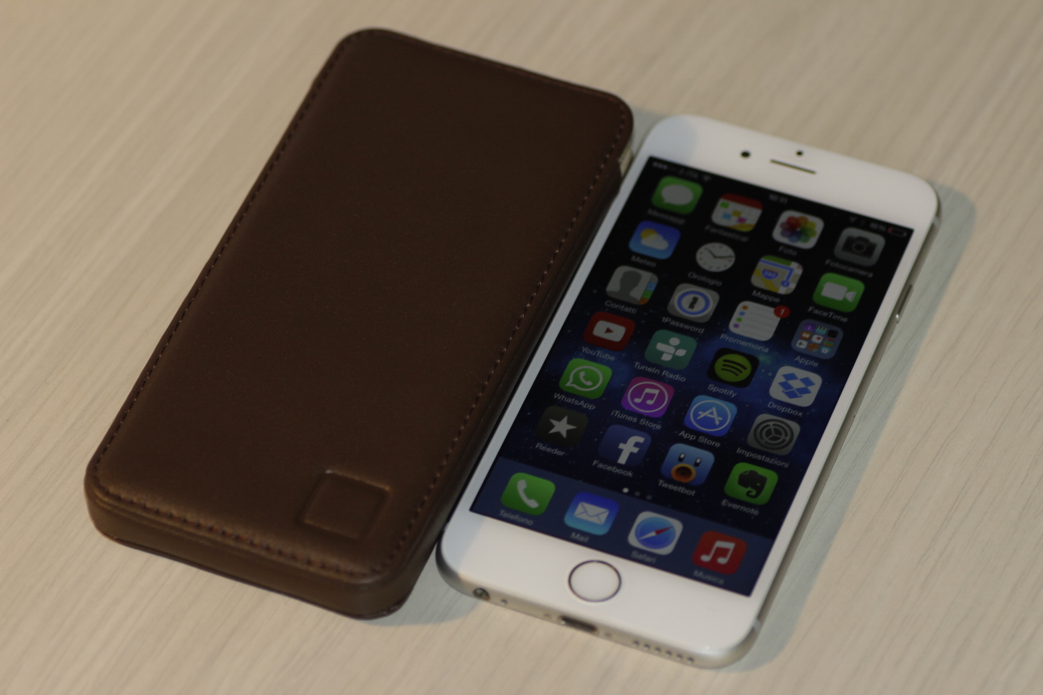 custodia bustina iphone