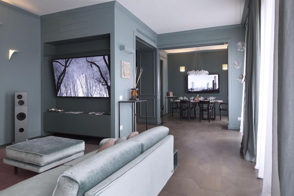 Atelier durini 15 a milano l 39 appartamento domotico da comandare con l 39 iphone iphone italia - Andrea castrignano interior designer ...