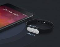 Il braccialetto Xiaomi Miband IP67 compatibile con iPhone in offerta a 16€ su Amazon