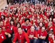 """I dipendenti degli Apple Store protestano: """"Troppi controlli nei nostri confronti"""""""