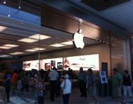 Apple denunciata da due suoi dipendenti