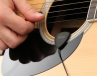 iRig Acoustic, il primo microfono per chitarra acustica che si collega all'iPhone