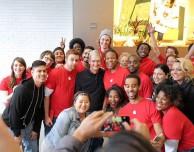 Un dipendente critica le condizioni di lavoro negli Apple Store in UK