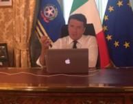 Il Codacons denuncia Matteo Renzi per pubblicità occulta a favore di Apple
