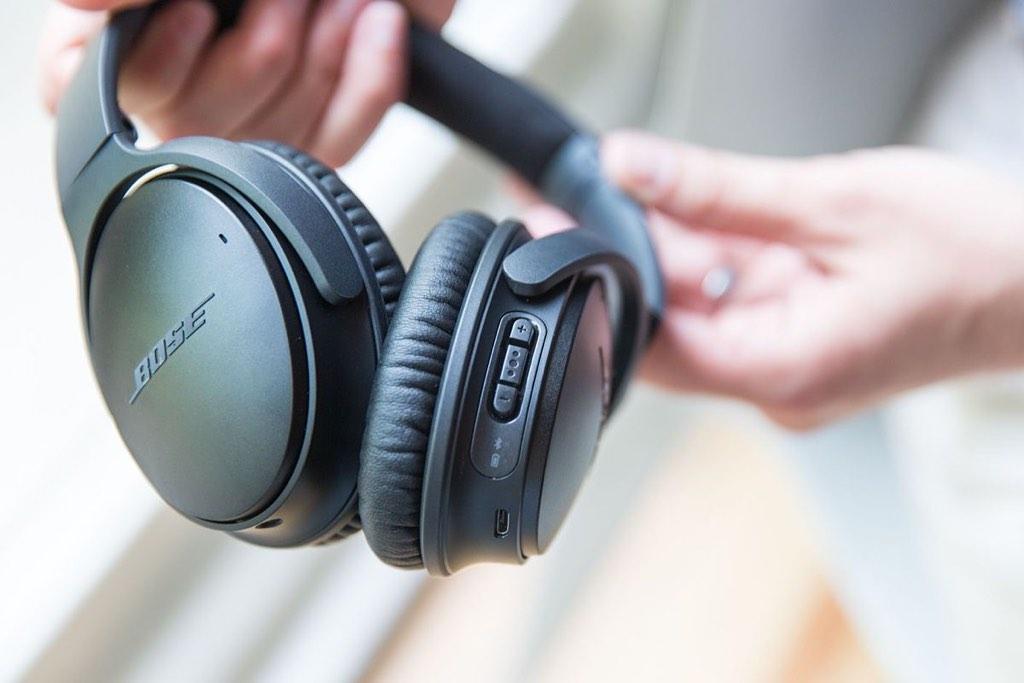 La famosa azienda ha presentato quattro nuove soluzioni per gli utenti che  cercano cuffie con cancellazione del rumore e per gli sportivi che cercano  un ... 8306da5e6ccd