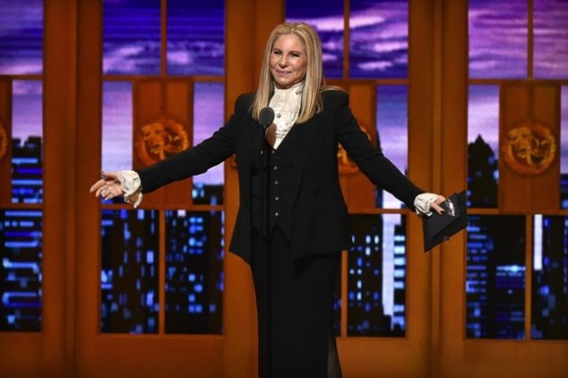 Streisand, Siri e Cook: