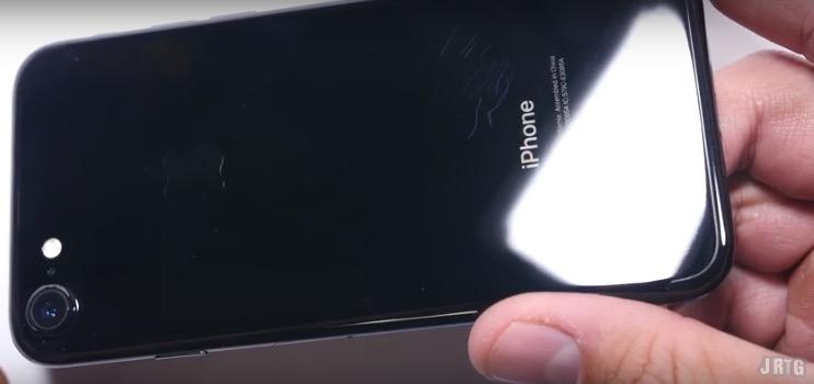 iPhone 7 Jet Black è davvero così delicato?