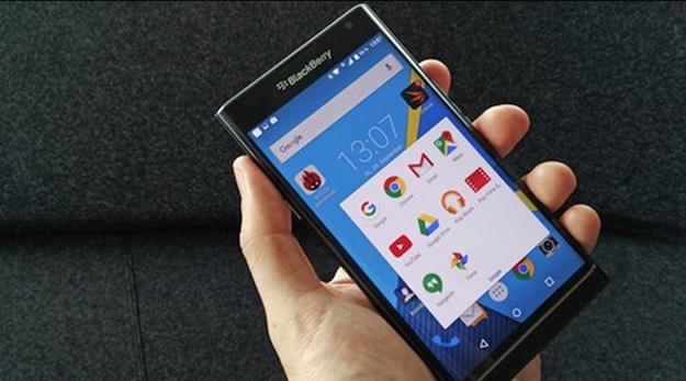 Blackberry, stop a produzione cellulari