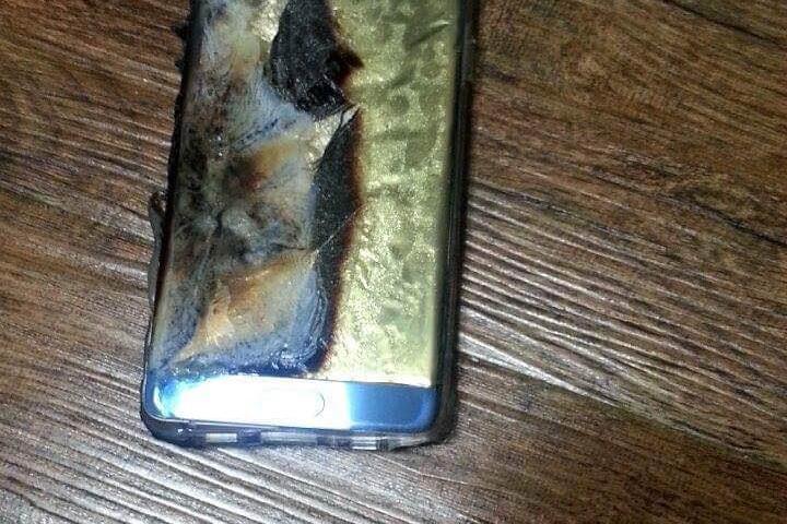 I Note 7 esplodono, molti utenti abbandonano Samsung e scelgono iPhone 7