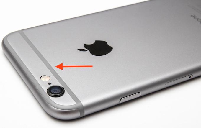 """Smartphone: la qualità del segnale varia """"troppo"""" in base all'impugnatura e alla frequenza"""