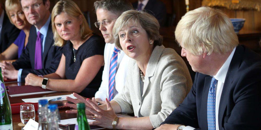 Apple Watches banditi durante i meeting dal primo Ministro Theresa May