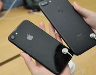 Apple rimuove i cavi di sicurezza dagli iPhone esposti in negozio