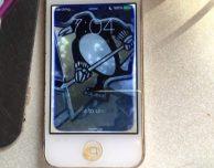 Dopo mesi nei fondali di un lago, un iPhone 4 continua a funzionare!