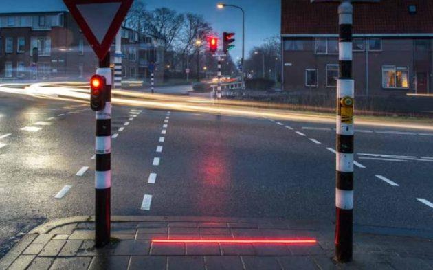 traffic-lights-large_trans_NvBQzQNjv4BqSLrBQfSVHIrT2WYKROE4QIXYXonGmLHMiv_Nv9kpPHk.PNG