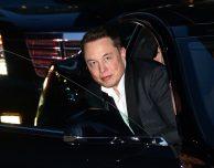 Tesla vuole creare un competitor di Apple Music per le sue auto