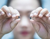 Auricolari color pelle, FaceTime e iPhone: così si prova a superare l'esame con l'aiuto del tutor