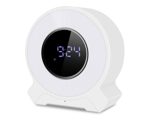Sveglia decdeal con speaker bluetooth e radio fm recensione