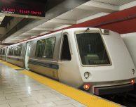 Tanti AirPods persi in metropolitana, a San Francisco hanno uno strumento per recuperarli