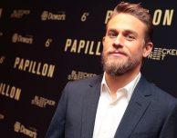 "Charlie Hunnam sarà il protagonista della serie TV Apple ""Shantaram"""