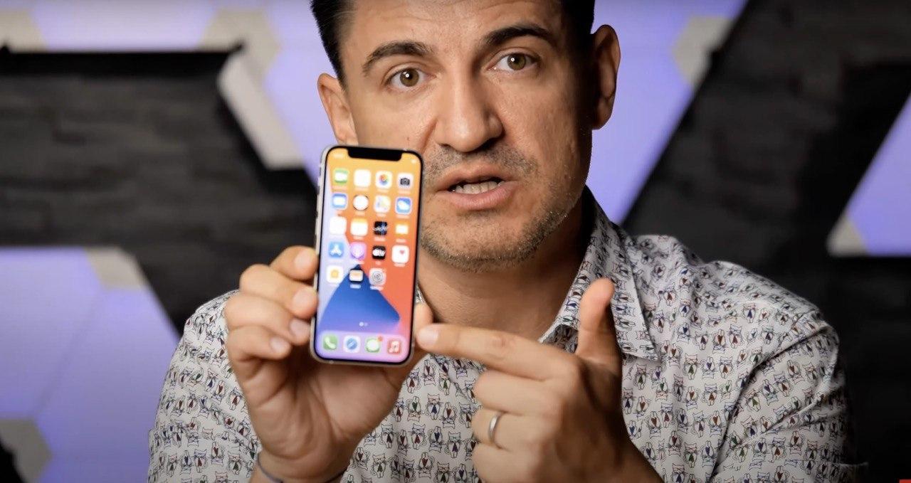 iPhone 12 mini, ecco il primo video hand …