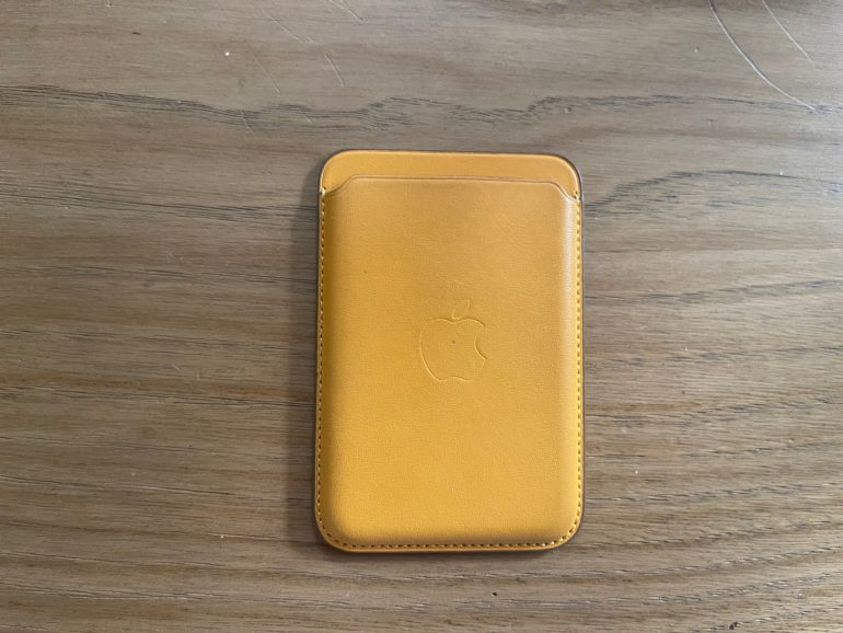 portafoglio magsafe apple. iphone