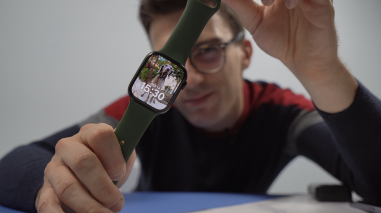 Unboxing Apple Watch Series 7